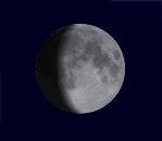 zunehmender Mond/wp-content/plugins/mondphasen/img/m11.png