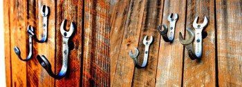 wall-hooks-wrench-1